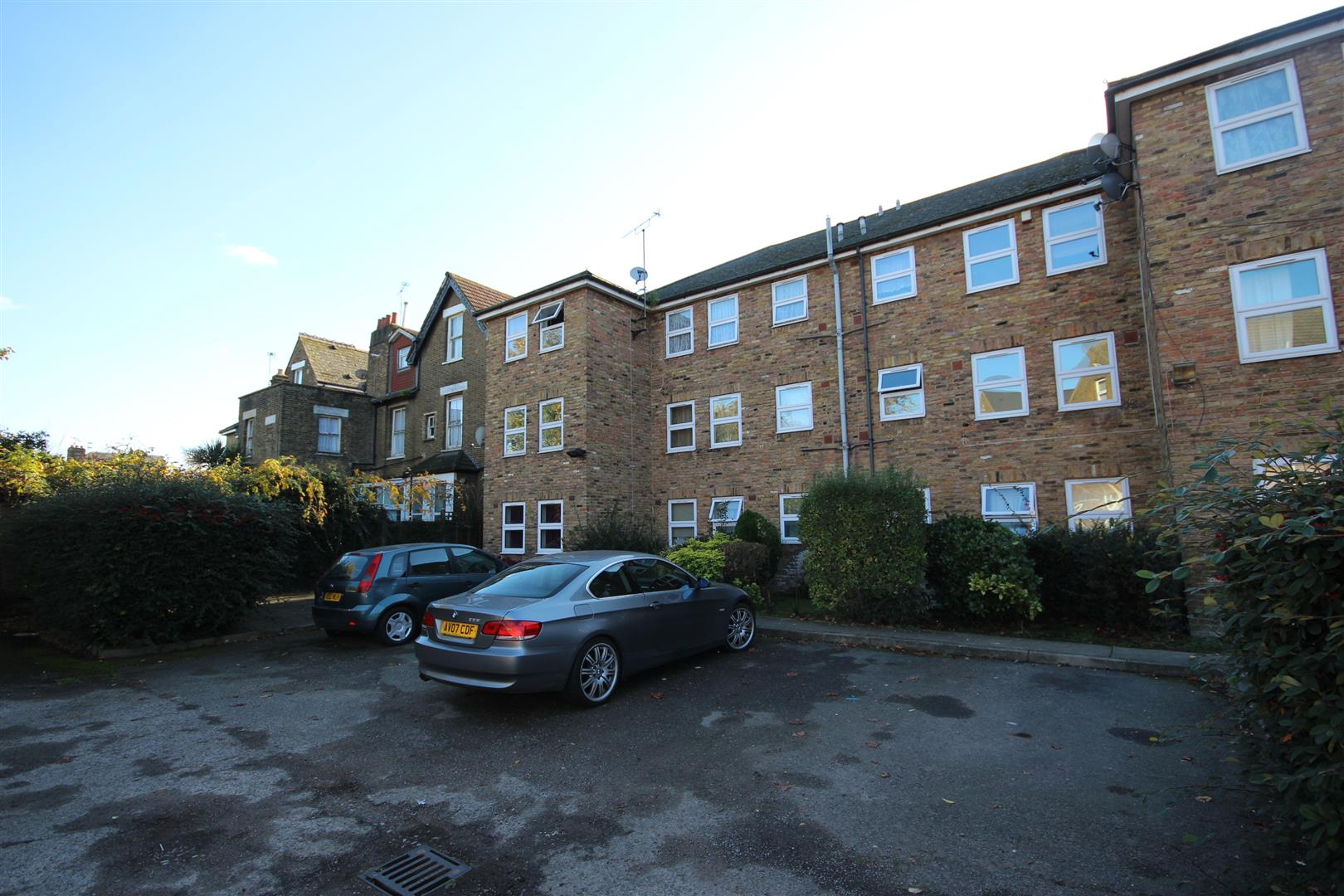 1 Bedroom Apartment Flat for sale in Craven Park, London